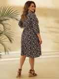 Платье батал с цветочным принтом и юбкой-клеш черное 53804, фото 4