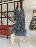 Шифоновое платье с принтом и лифом на запах черное 54975, фото 4