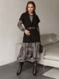 Чёрный жилет на запах с накладными карманами 51782, фото 4