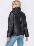 Черная демисезонная куртка из экокожи с воротником-стойкой 52988, фото 3