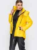 Демисезонная куртка с удлиненной спинкой желтая 45160, фото 2